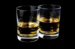 How much of scotch whiskey can make a man drunk?